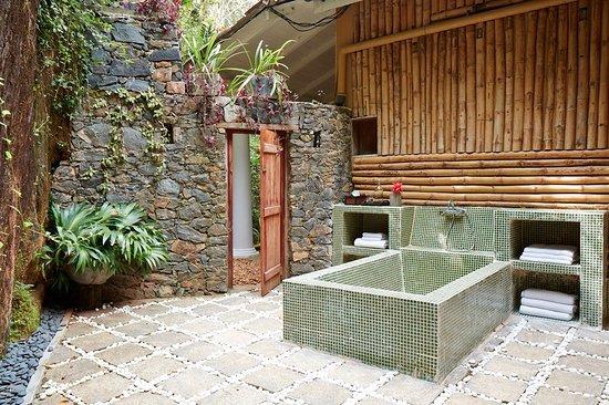 Satori Villa: Our Outside Jungle Bathroom