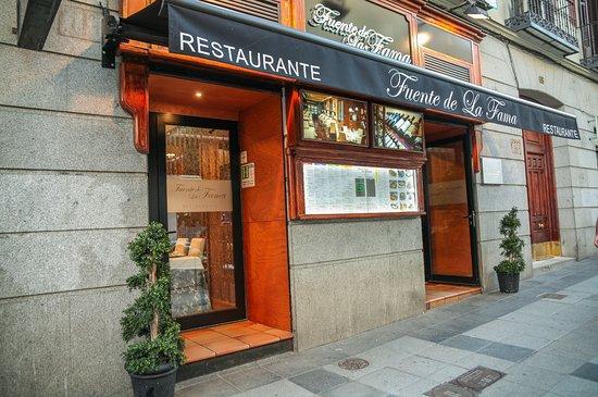 Fuente de la fama madrid huertas fotos n mero de for Fachadas de restaurantes modernos