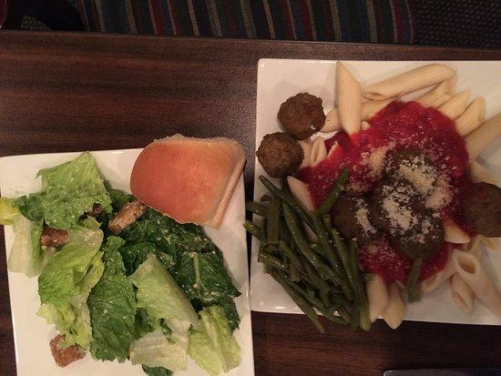 Eisenhower Hotel & Conference Center: Friday's dinner