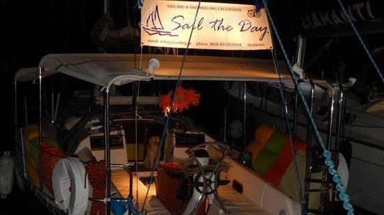 """Ciudad de Skiathos, Grecia: """"Sail the Day"""" Skiathos Sailing 2 info@2sailing.gr 00306972939944"""