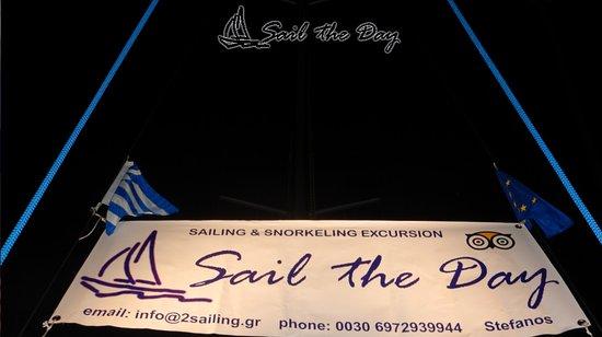 """Ciudad de Skiathos, Grecia: """"Sail the Day"""" Skiathos Sailing 3 info@2sailing.gr 00306972939944"""