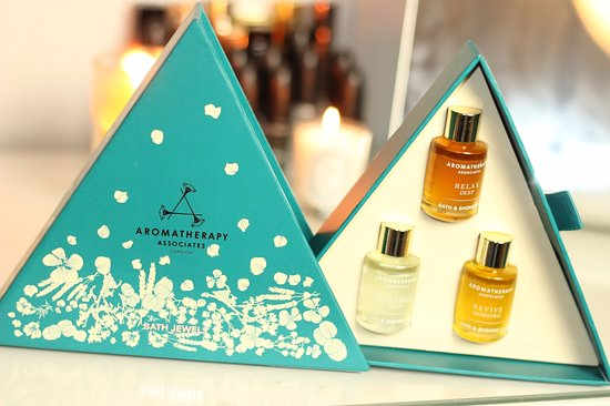 St Austell, UK: Aromatherapy Associates beauty products - The Clearing Spa at The Cornwall Hotel