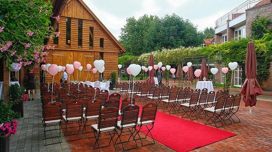 Hochzeit Im Garten Picture Of Hotel Heidegrund Garrel Tripadvisor
