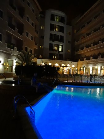 Piscina picture of hotel costa narejos los alcazares for Piscina municipal los alcazares