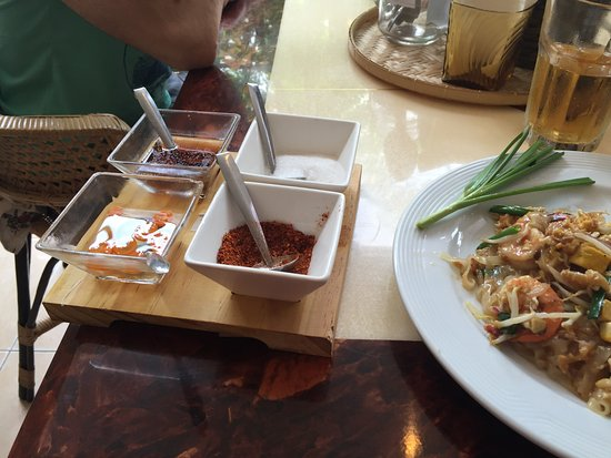 Yai Yaa Thai Home Kitchen Piatto