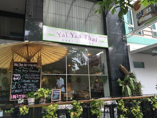 Yai Yaa Thai Home Kitchen Locale
