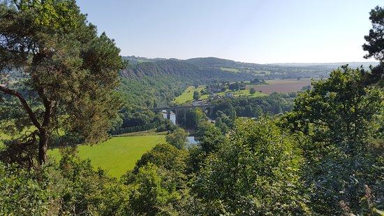 Clecy, France: Beau rivage est situé au cœur de la Suisse Normande
