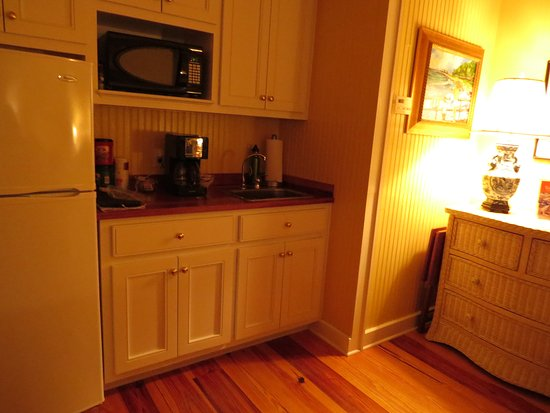 Point Clear Cottages: The kitchenette with refrigerator, microwave and coffee maker.