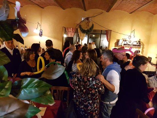 Montespertoli, อิตาลี: 20161231_234046_large.jpg