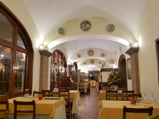 Genazzano, Italië: interno