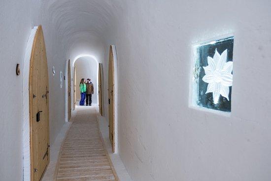 Iglu-Dorf Zugspitze: Gang zu den Zimmern