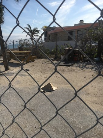 Billy Joe's On the Beach: After the hurricane. Now they are trying to recover with a small hut. Not open yet