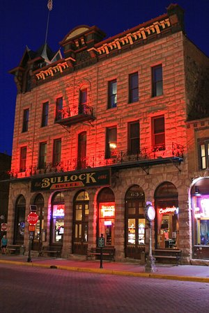Bullock Hotel by night