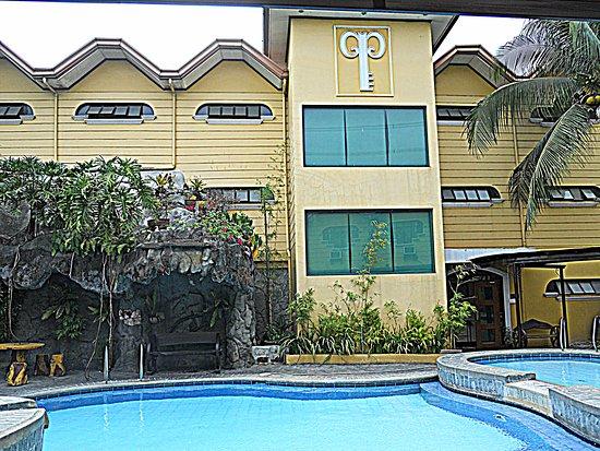 Quatro Pasos Resort Inn