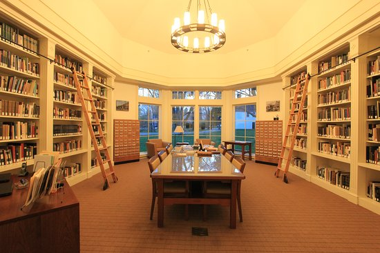 Fairfield, Κονέκτικατ: Library featuring one of the best collections of CT history!