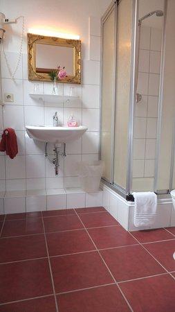 Hotel Columbus: Beispiel Badezimmer