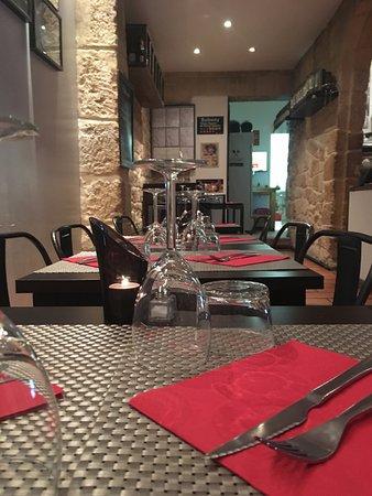 Restaurant le bistroquet dans salon de provence avec - Le salon des gourmets salon de provence ...