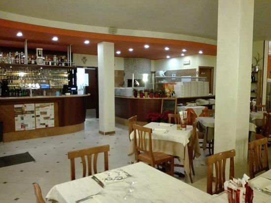 San Pietro in Cariano, Italy: Ristorante Pizzeria  la Quinta Stagione