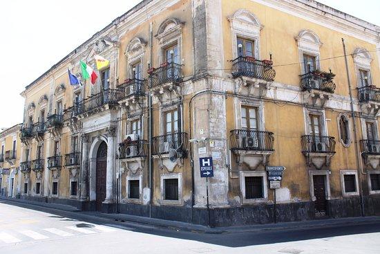 Lentini, Italie : vedutà del palazzo