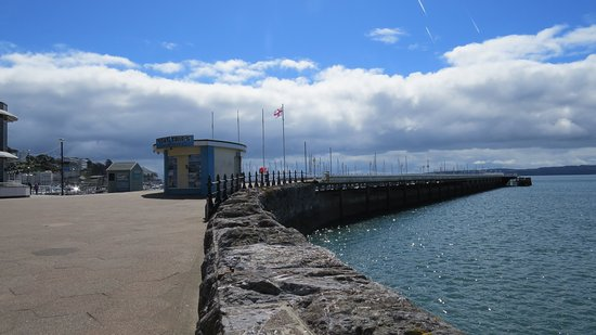 Howden Court Hotel: The Harbour Sea Front, a short walk from the Hotel.