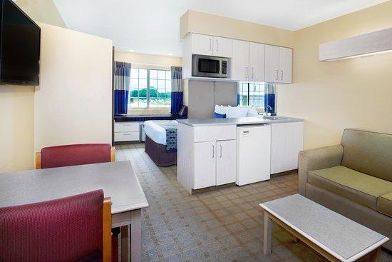 Scott, LA: Suite Guest Room