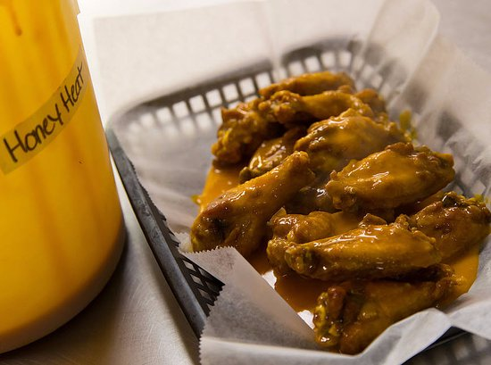 Naugatuck, CT: Wings
