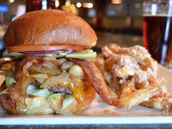 Naugatuck, Коннектикут: Burger