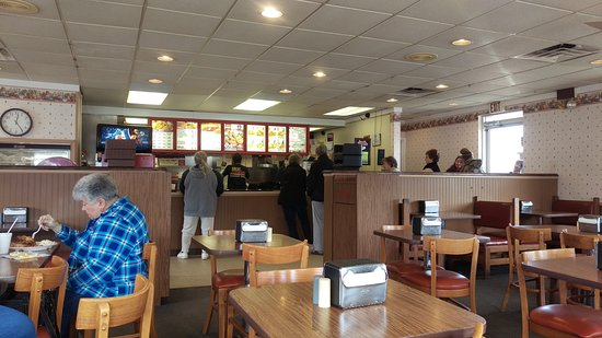 Mattoon, IL: Lee's Famous Recipe Chicken