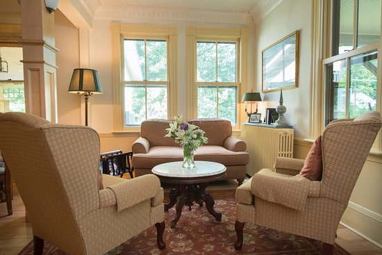 The Norwich Inn: Our Living Room