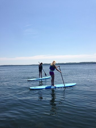 Green Lake, WI: Paddle boarders