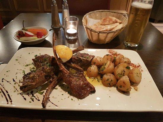Flames Restaurant: 20170131_190221_large.jpg