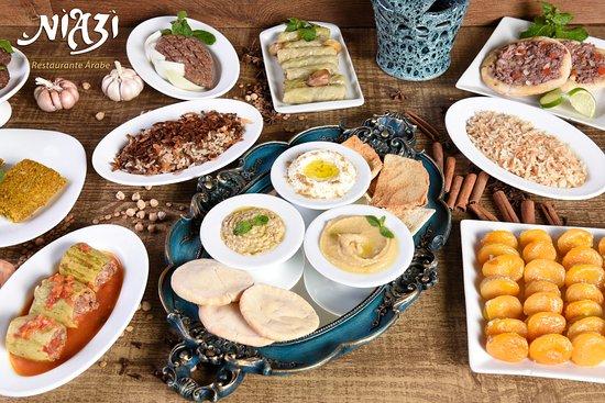 Niazi O Arabe: Mesa Farta! Uma verdadeira experiência gastronômica!