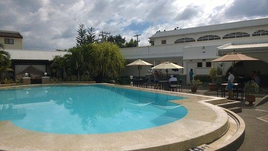 Panglao Regents Park Resort: Major pool