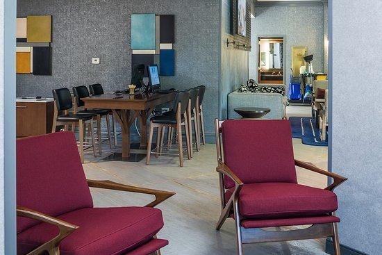 Rockland, MA: Hotel Lobby Area