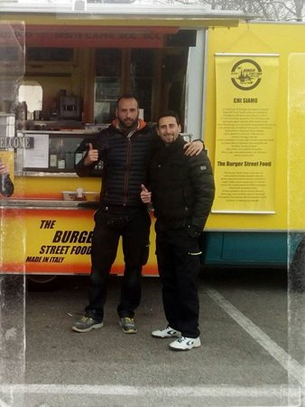 PAUSA PRANZO PARCHEGGIO LEROY MERLIN LISSONE - Picture of The Burger ...