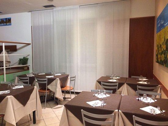 Pizzeria d 39 este rho ristorante recensioni numero di for Sala girasol