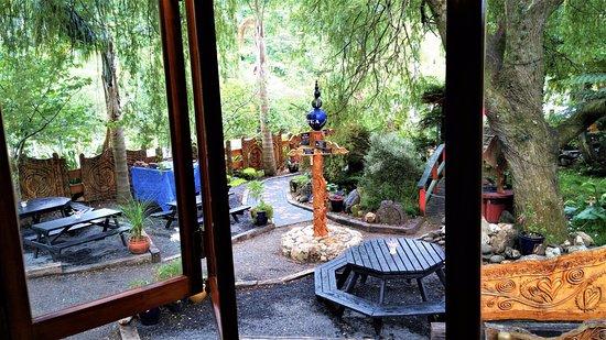 Talisman Cafe : Cafe garden