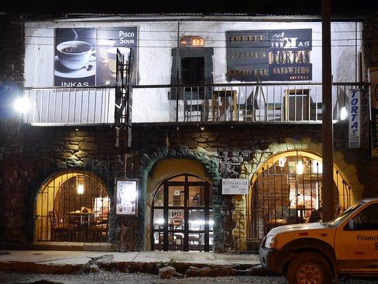 Innkas Cafe: Eingang vom Plaza de armas