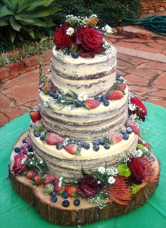 The Vanilla Moon Coffee Wedding Cakes With A Difference