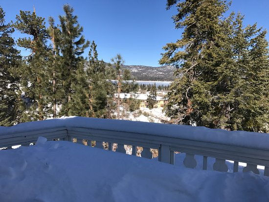 Big Bear Lake, CA: View to the lake from the deck