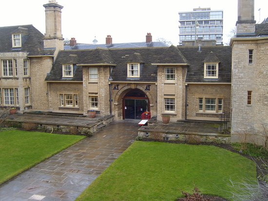 The Main Entrance To Somerville College The Porters Lodge Is - Where is oxford located
