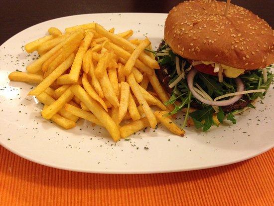 Blankenheim, Germany: Perfekter Burger