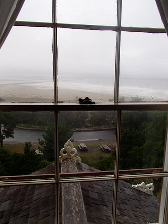 Yaquina Bay Lighthouse: View from the upstairs hallway