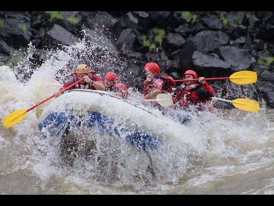 Wild Horizons White Water Rafting: Hold on tight!!