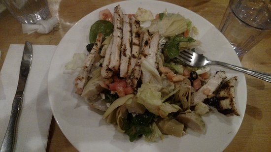 Ballston Spa, NY: Salad with Grilled Chicken