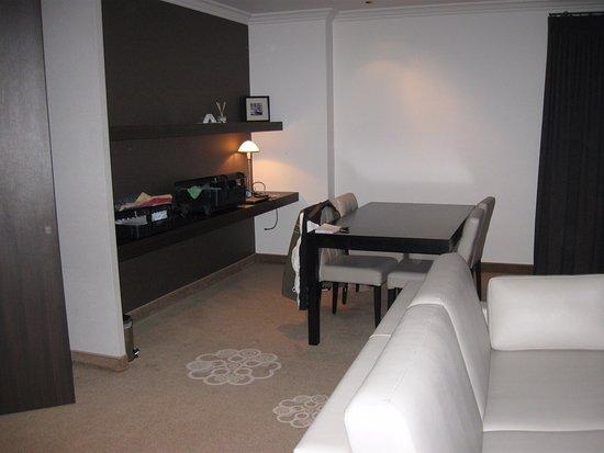 Bank Aan Eettafel.Suite Bank En Eettafel Picture Of Hotel Restaurant