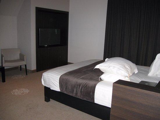 Design Eettafel Bank.Suite Bank En Eettafel Picture Of Hotel Restaurant