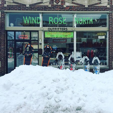 Menominee, MI : FREE SNOWSHOE RENTALS or $5 with Reservation