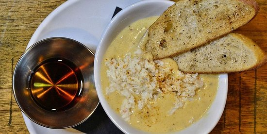 Carrollton, Вирджиния: She Crab Soup - Add sherry to your liking!