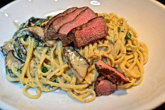 Carrollton, Wirginia: Steak & Gouda Pasta
